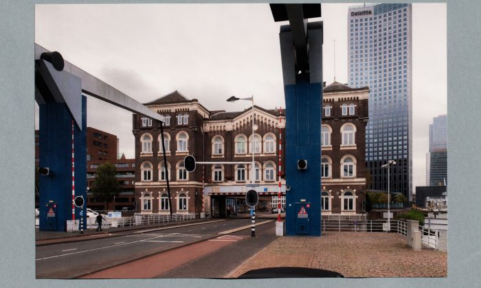 Poortgebouw. Publicatie: Architecture of Appropriation. On Squatting as Spatial Practice. Foto Johannes Schwartz.